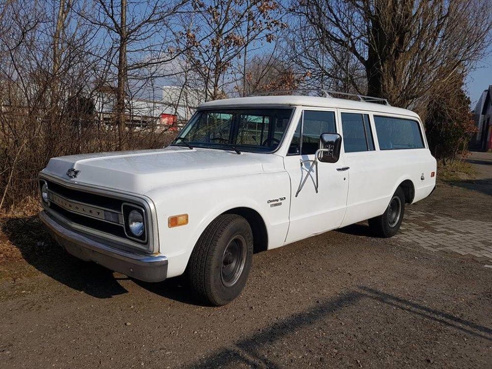 1969 Chevrolet Suburban 3 door